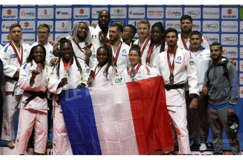 L equipe de france au grand complet apres cette ultime medaille photo afp 1504465200